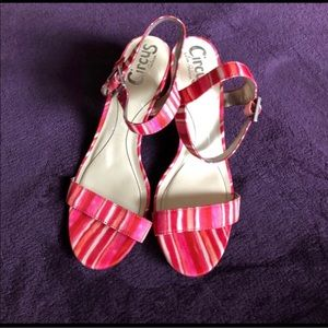 🌼Shoe Sale🌼 NWOT Pink Orange Sandal on Sale